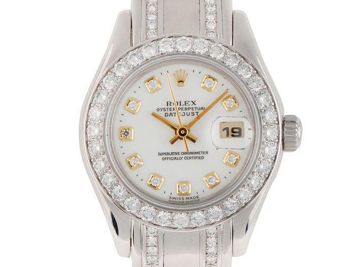 ROLEX - Datejust Lady Pearlmaster White Gold Diamond Estimate: 32 000-42 000 EUR Auction ends: August 14