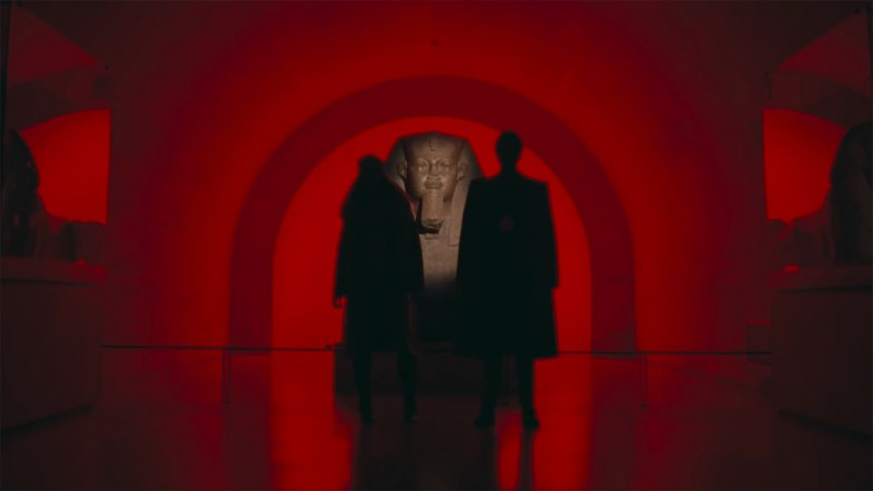 """The Carters standing on each side of the """"Great Sphinx Of Tanis"""". Photo via: hyperallegic.com."""