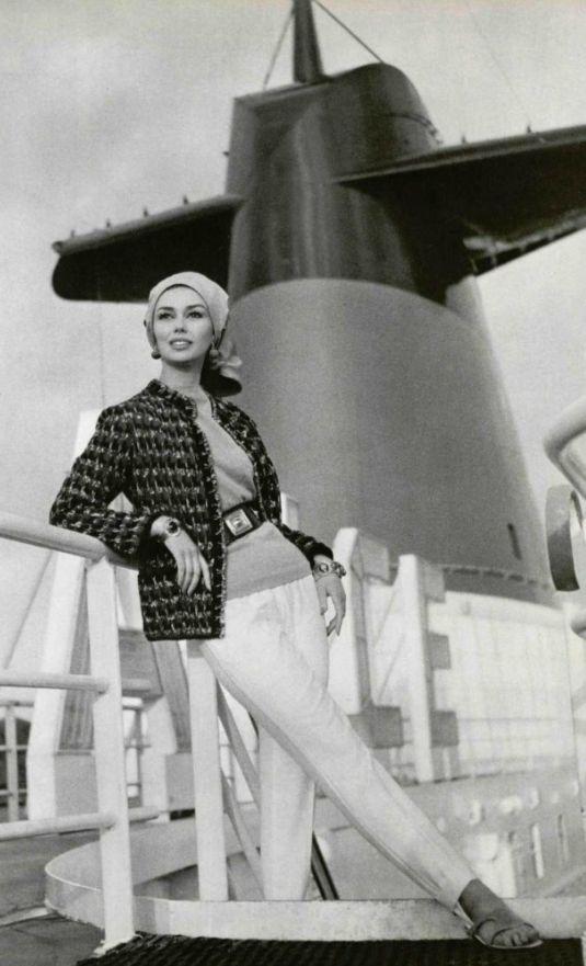 Lola Prusac, styliste et designer des premiers carrés en soie Hermès