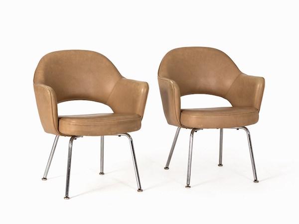 Eero Saarinen, stolar, modell 71. För Knoll 1951. På auktion hos Auctionata.