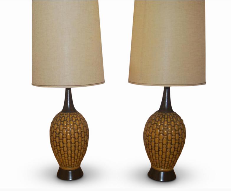 Paire de lampes de table en céramique du milieu du siècle