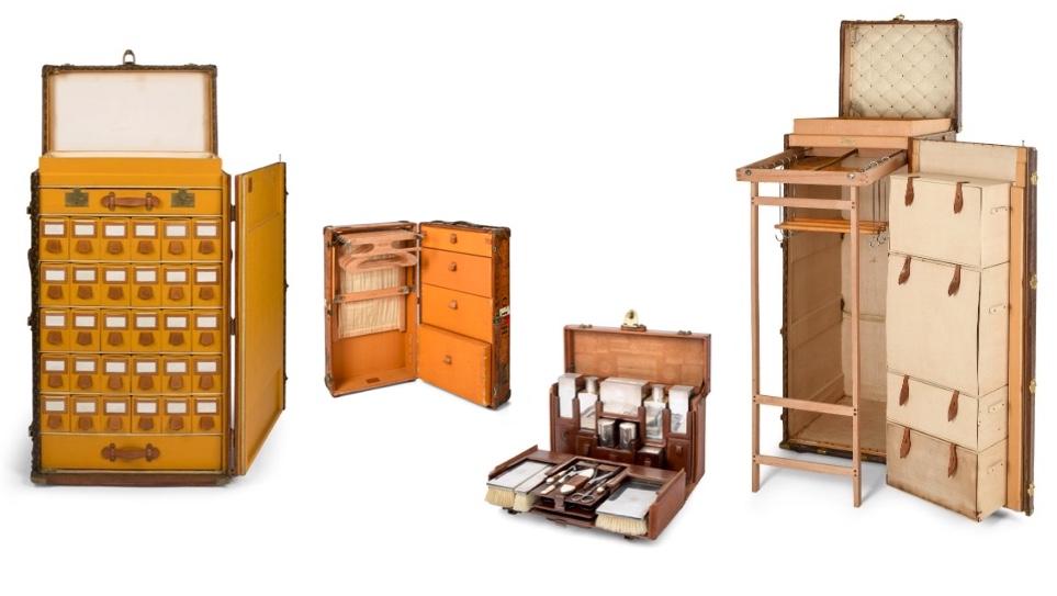 """Links: LOUIS VUITTON Großer Schuhkoffer """"Malle à Chaussures"""", wohl um 1930 Mitte links: LOUIS VUITTON Schrankkoffer """"Valise-armoire"""", wohl um 1920 Mitte rechts: LOUIS VUITTON Kosmetikkoffer, wohl um 1930 Rechts: LOUIS VUITTON Schrankkoffer """"Malle-armoire"""", wohl um 1910"""