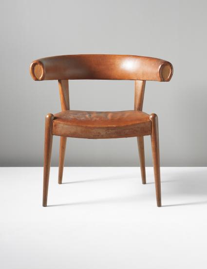 Den dyrast sålda stolen av Wegner gick för 1 480 000 SEK på Phillips auktion i september 2013.