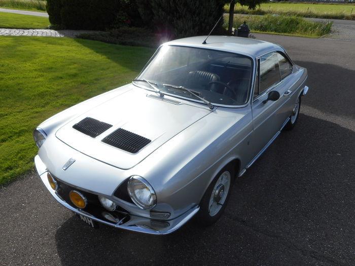 Simca - Bertone S coupé - 1970. Utropspris: 147 000 - 192 000 kronor. Slutpris: 242 000 kronor.