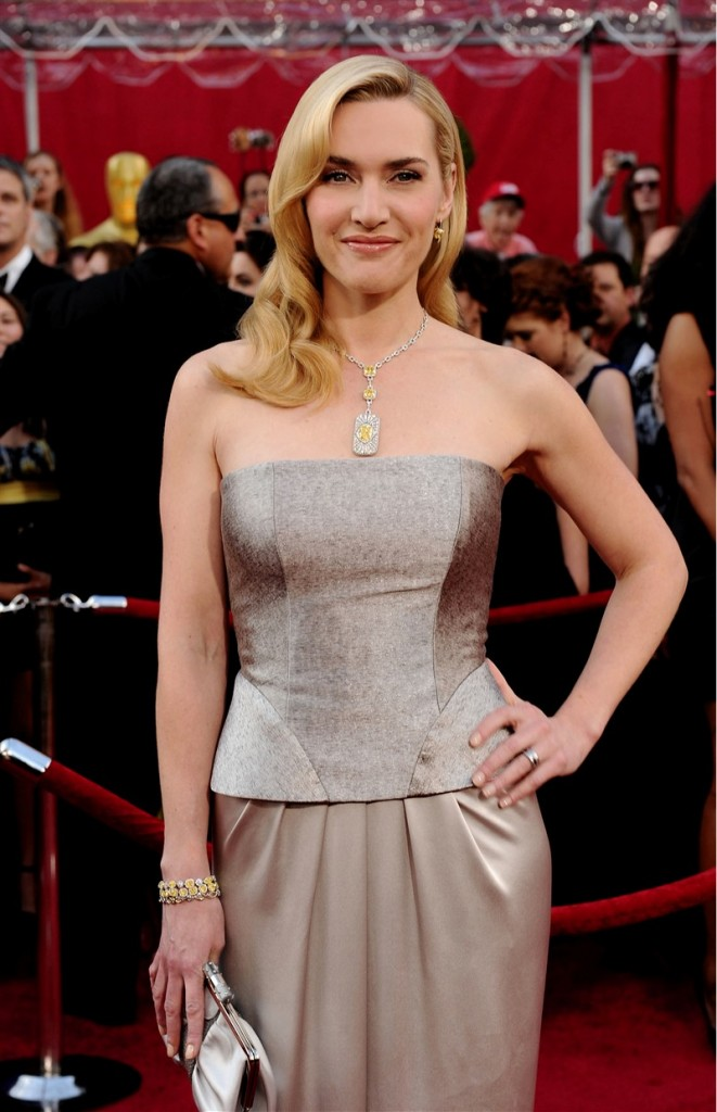 winning-combination-kate-winslet-in-tiffany-co-at-oscars-2010_5
