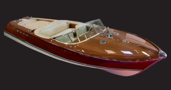 Chantier : riva Type : Aquarama Provenance : Italie Année : 1966 Estimation: 200 000 / 250 000 €