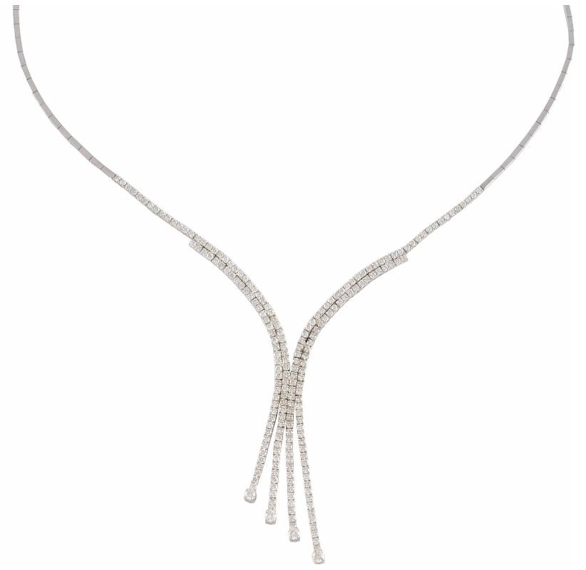 Collier en chute en or gris sertie de 4,75 carats de diamants, la monture terminée par 4 diamants Image via Osenat