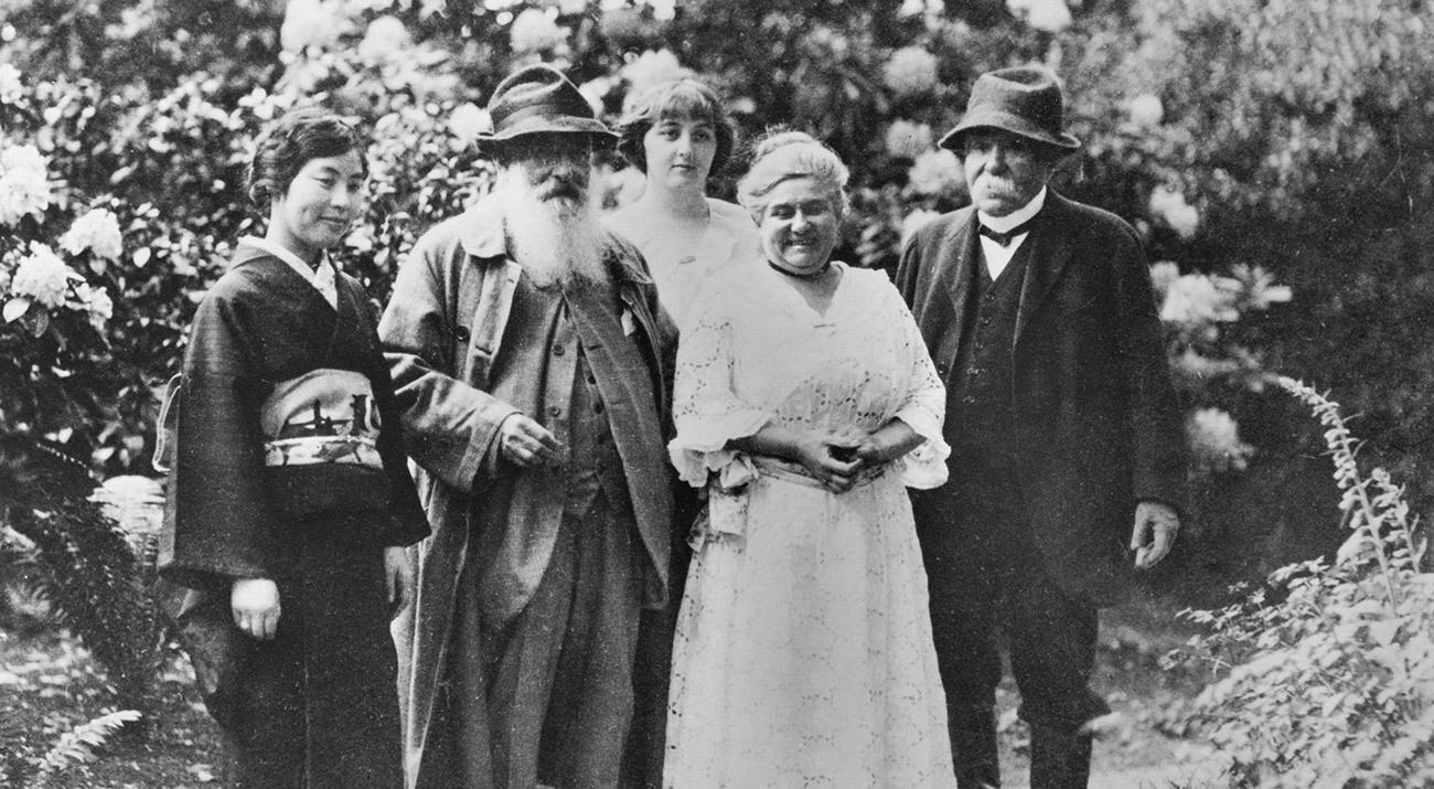 Madame Kuroki, Claude Monet (1840-1926), Alice Butler (1894-1949), Blanche Hoschedé-Monet und Georges Clemenceau (1841-1929) im Garten von Giverny   Foto: © Musée Marmottan Monet, Paris / Bridgeman Images