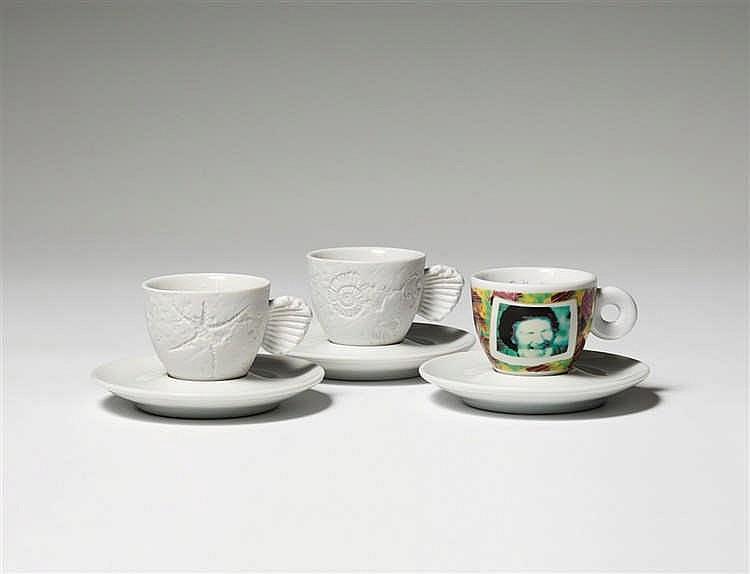 Tres tazas de espresso diseñadas por artistas para la colección Amici