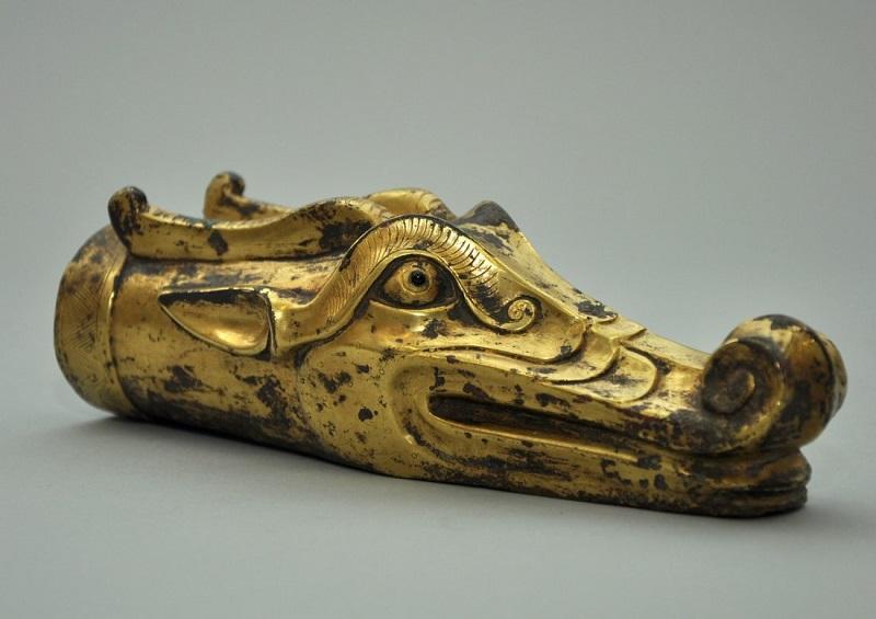 Cabeza de dragón en bronce. Dinastía Han (206 a.C.-220 d.C.)