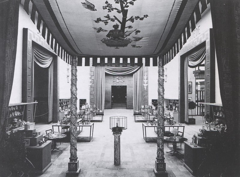 Bilden är från Parisutställningen 1925 där den svenska Art Décon Swedish Grace föddes