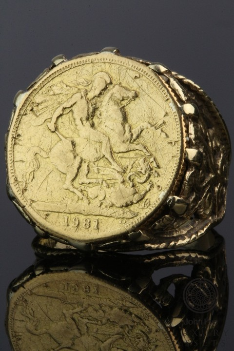 A 9ct Gold Full Sovereign Ring. Photo: John Pye Auctions