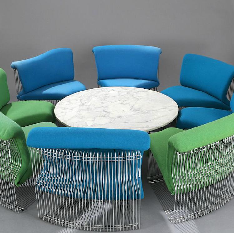"""Verner Panton: """"Pantonova"""". Living room suite with cromed steel frame, consisting of circular coffee table and eight chairs. (9) Utrop: 25.300 Sek Bruun Rasmussen"""