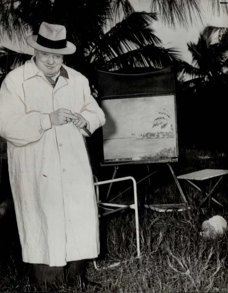 Churchill with the the painting of the Giza Pyramids