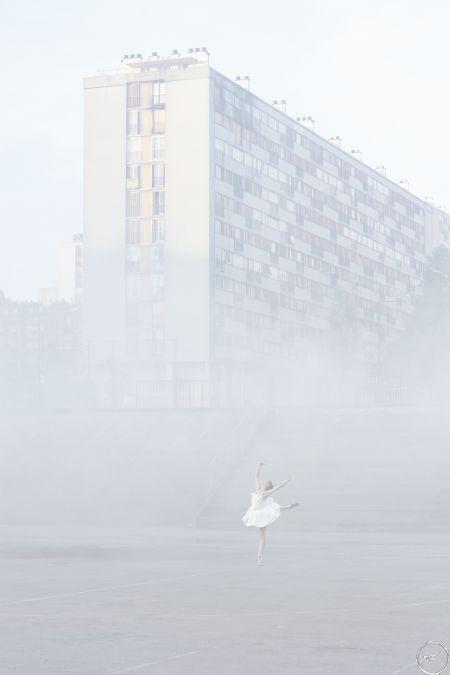 28_millimetres_portrait_dune_generation_les_bosquets_in_the_mist_montfermeil_france_2014