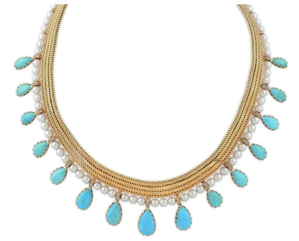 Rene Boivin. Collier, 1950-talet. Halsband i guld 18 karat, med turkoser, pärlor och diamanter. Utrop: 388.000 Sek. Osenat