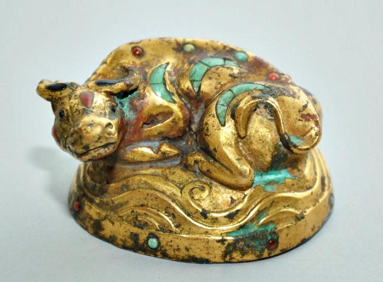 Búfalo de agua en bronce con incrustaciones. Dinastía Han (206 a.C.-220 d.C.)