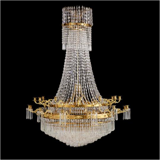 Den generösa delvis brännförgyllda ljuskronan för 24 ljus i Karl Johan-modell är tillverkad i Stockholm. Utropet är 75 000-100 000 kronor