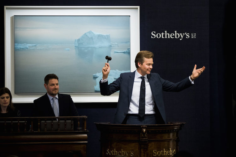 Une toile de Gerhard Richter se vendait la semaine dernière pour 17,7 millions de livres sterling chez Sotheby's Photo: Courtesy Tristan Fewings / Getty Images for Sotheby's