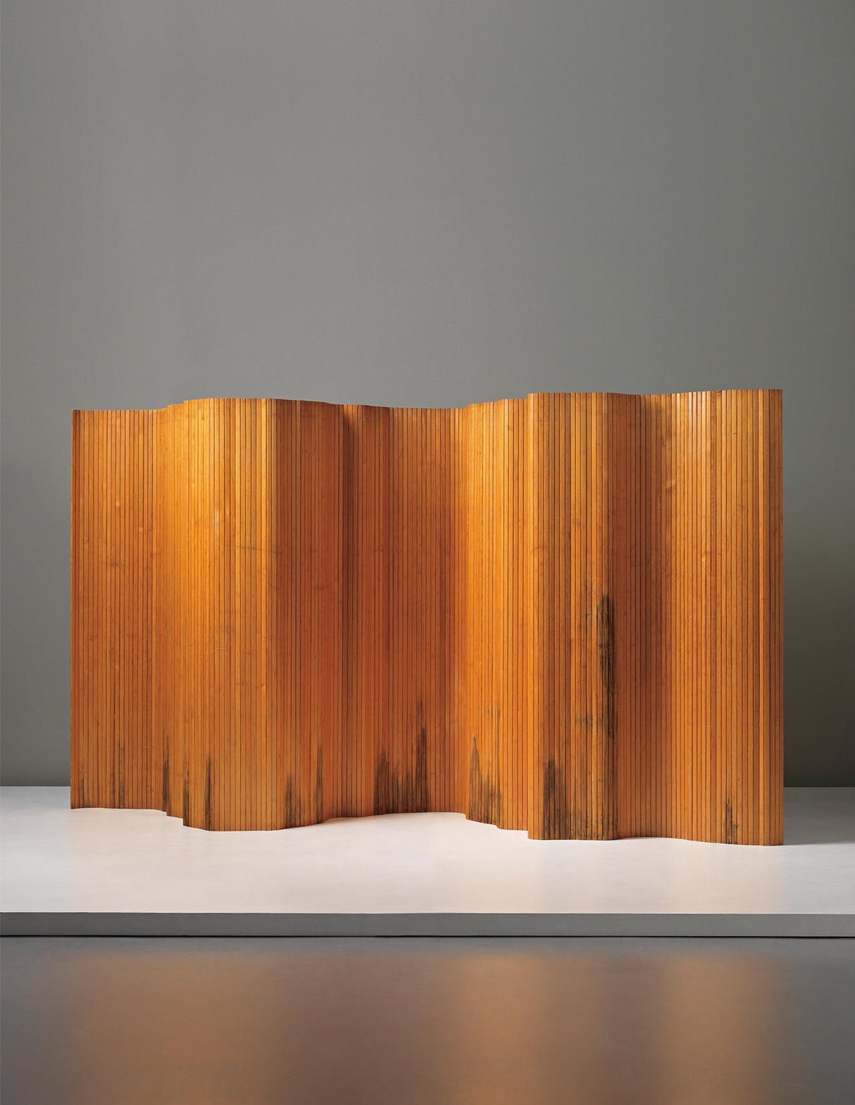 Paravent von Alvar Aalto für das Hotel Vaakuna (1940er Jahre). Verkauft 2014 bei Phillips für 33.800 Euro  Foto: Phillips