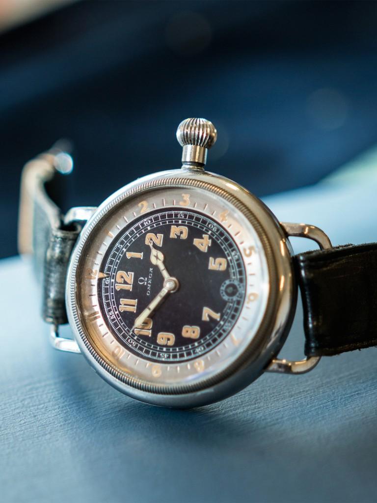 """Omega, """"Pilot´s watch"""", herrur, 46 mm, Cal 40,6S.T2.15P, Serie nr. 7748672, Ref nr. CK 6000, Boett nr. 8782808, stål (staybrite), manuell, mineralglas, liten sekundvisare, innerlock, läderband, """"Extract of the Archives"""", tillverkad 2/2 1932, levererad till Sverige 11/1 1939."""