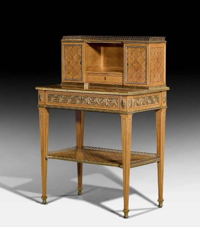 "MATHIEU GUILLAUME CRAMER. ""Bonheur du Jour"" en palo de rosa, arce, sicomoro y ébano. París (1775). Precio estimado: de 51.600 a 78.700 €"