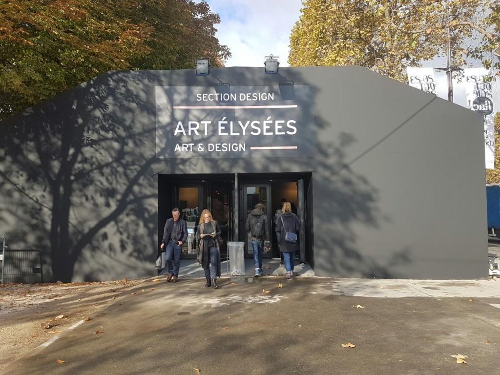 L'entrée d'Art Élysées sur les Champs Élysées Image: Barnebys