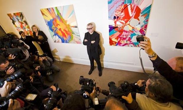 Damien Hirst inför Sotheby's auktion 2008. Foto: Felix Clay/Guardian