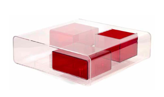 Table basse carrée en plexiglas translucide Michel Boyer Estimation: 4 000/6 000 €