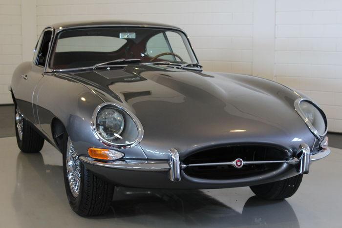 JAGUAR - E-Type Coupé - 1962 Schätzpreis: 220.000-287.500 EUR