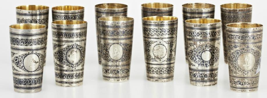 Supkoppar, 12 stycken Silver. Sovjetunionen, 1900-talets mitt. Bär svenska importstämplar. Invändigt förgyllda. H 7,5. Total vikt ca 695. På auktion hos Uppsala Auktionskammare