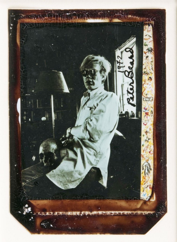 PETER BEARD (*1938 New York) - Andy Warhol at Home with Scull, Polaroid und Blut, signert und datiert, 1972