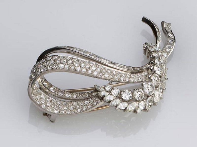 Elegante Vintage-Brosche mit aufwendigem Diamantbesatz, 1940er Jahre