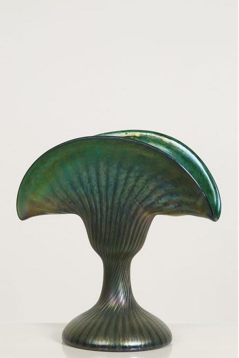 Attribué à Loetz Vase sur piédouche
