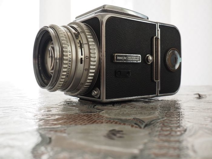 Hasselblad 500 C/M (1971) avec objectif Carl Zeiss Planar 80mm F/2.8