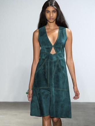 Klänning i grönt.