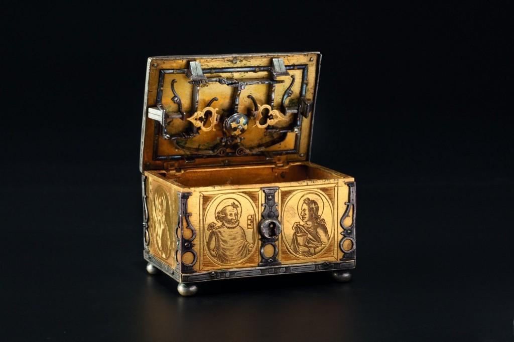 Coffre miniature Estimation basse: 7 500 €