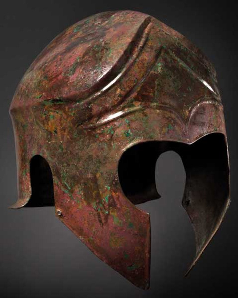 En Chaldician bronshjälm, från femte till fjärde århundradet före Kristus Utropspris: 185 000 SEK Hermann Historica
