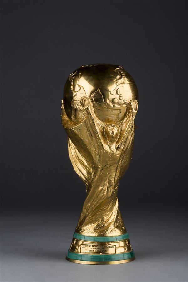 La réplique de la Coupe du Monde 1998 adjugée chez Marc Labarde, image ©Marc Labarbe