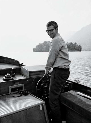 Federico Marchetti ute på Comosjön. Foto via W Magazine