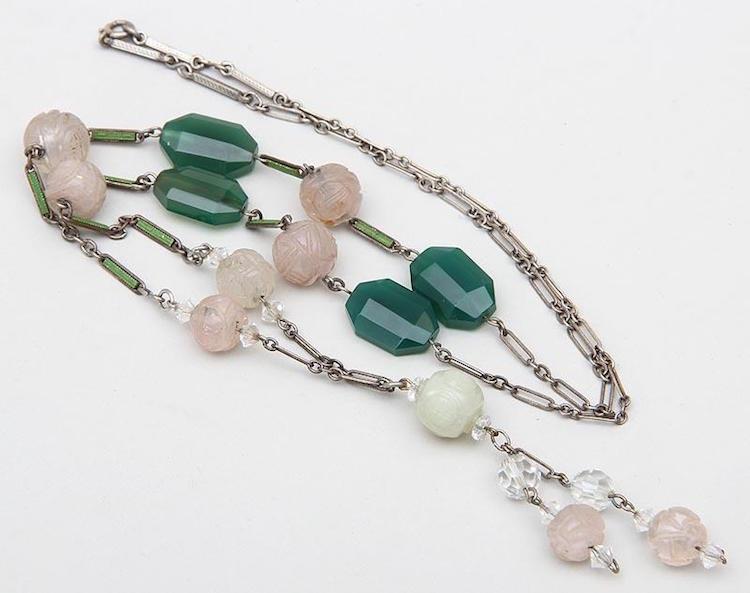 Silverhalsband, Sterling, graverade stenar. Utrop: 650 SEK iGavel Auctions