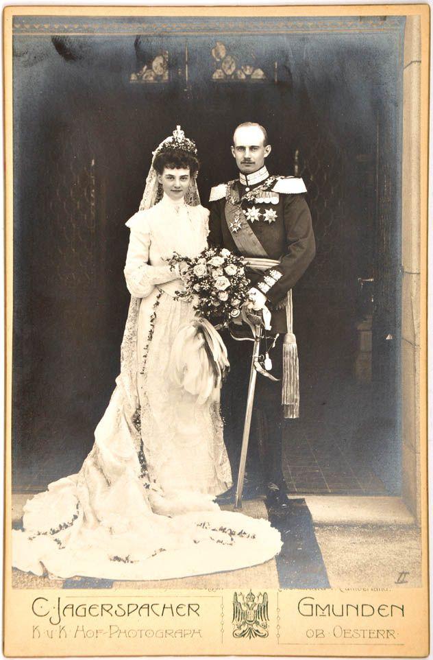 Im Juni 1904 heirateten Prinzessin Alexandra von Hannover und Cumberland und der mecklenburgische Großherzog Friedrich Franz IV.