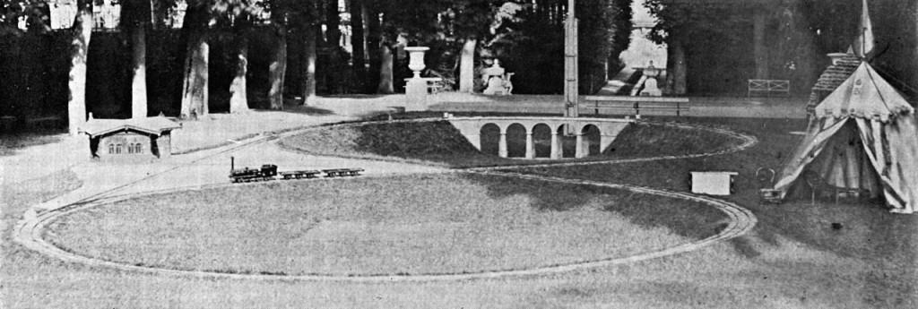 Die Eisenbahn des kaiserlichen Prinzen im Park von Saint-Cloud Foto via Wikipedia
