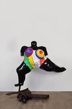 """""""Nana"""" skulptur av Niki de Sant Phalle."""