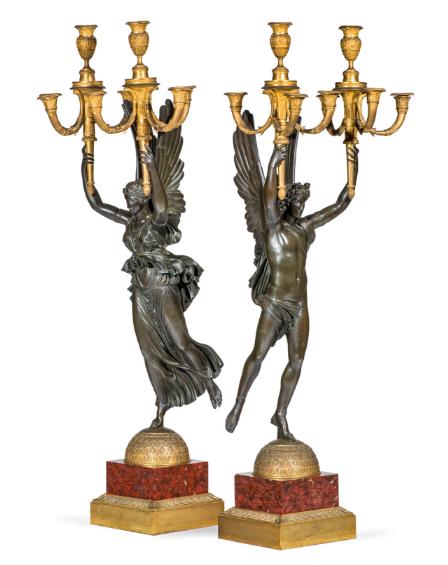 Paar Empire-Kerzenleuchter aus braun patinierter Bronze, Pierre-Philippe Thomire (1751-1843) zugeschrieben