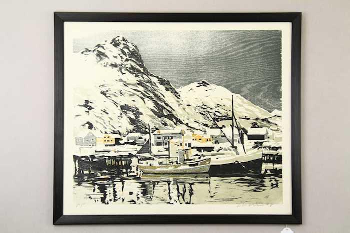 """LARS LERIN """"hamnen i Svolvaer 1978"""" träsnitt 50x66 cm. Utropspris: 4 000 SEK. Karlstad Hammrö Auktionsverk."""