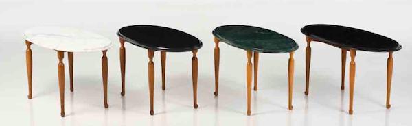 Några av de bord som Piasa säljer på sin auktion i februari