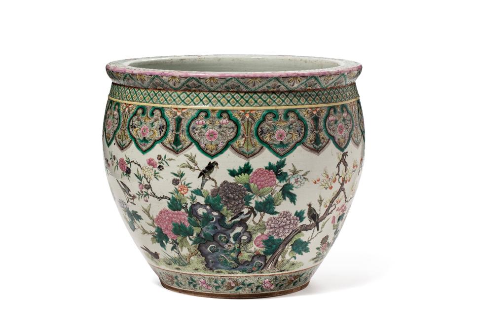 中国十九世纪 粉彩花鸟如意纹鱼缸 - H. 42 cm - Diam. 46,5 cm - 估价 2000-3000€