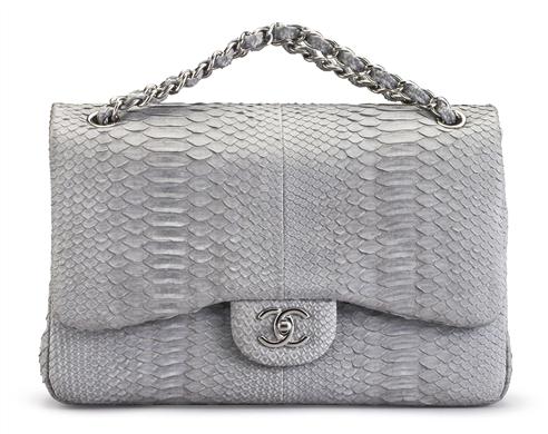 Chanelväska i pytonskinn. Fast pris: 7,500 USD. Christie's online shop